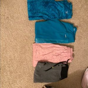 Bundle of 4✌🏻✌🏻workout 🏋️ leggings and joggers